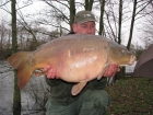 John Morley 33lbs 14oz Mirror Carp from Rookley Country Park using carp company.. the pet