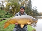 Colin Meneaud 20lbs 0oz Mirror Carp, Carp Cuisine 'Frankfurter Sausage' single hookers in 18mm... 3rd of 4 mirrors in 2 hours, perfect early winter conditions.
