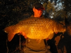 Chris Jennings 32lbs 3oz Common Carp from Bluebell Lakes using Baitcraft T1.. Inline lead, single hookbait cast at showing fish, Baitcraft T1