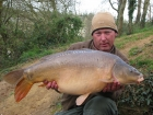 31lbs 0oz Mirror Carp from Rookley Country Park using ice red.