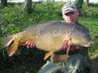 30lbs 4oz Mirror Carp from Rookley Country Park using ice red.