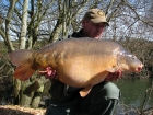 John Morley 32lbs 8oz Mirror Carp from Rookley Country Park using carp company.. winter
